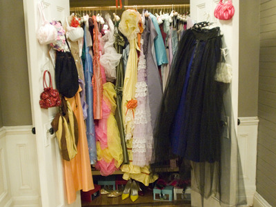Display 27 dresses closet